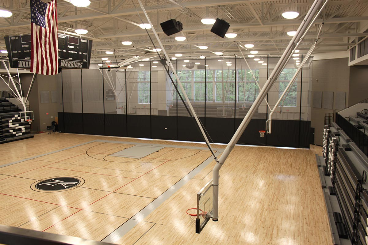 Gymnasium with space divider