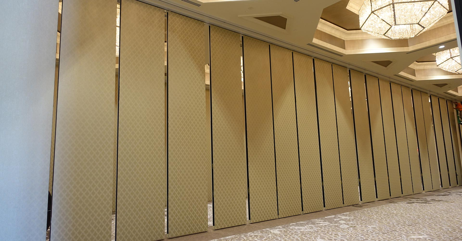 Space Division Operable Partitions for Conference Room